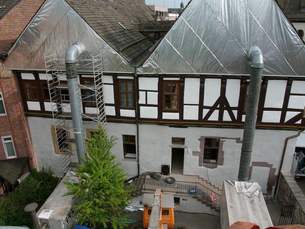 Holzschädlingsbekämpfung an Decken, Treppen und anderen Gebäudeteilen